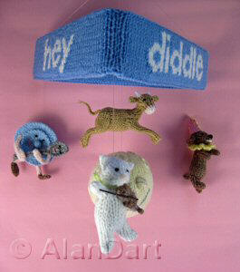 Hey Diddle Diddle Mobile knitted toys
